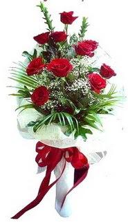 Mersin kaliteli taze ve ucuz çiçekler  10 adet kirmizi gül buketi demeti