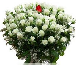 Mersin çiçek yolla , çiçek gönder , çiçekçi   100 adet beyaz 1 adet kirmizi gül buketi