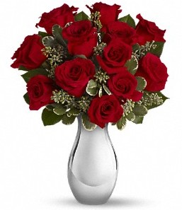 Mersin çiçek yolla   vazo içerisinde 11 adet kırmızı gül tanzimi