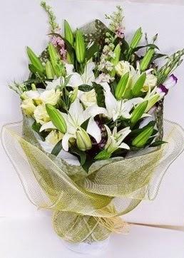 Mersin internetten çiçek satışı  3 adet kazablankalardan görsel buket çiçeği