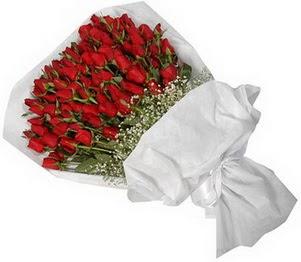 Mersin uluslararası çiçek gönderme  51 adet kırmızı gül buket çiçeği