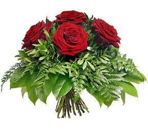 Mersin çiçekçiler  5 adet kırmızı gülden buket