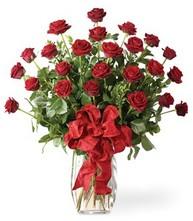 Sevgilime sıradışı hediye güller 24 gül  Mersin ucuz çiçek gönder