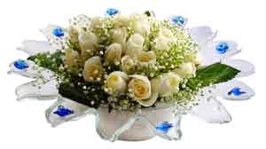 Mersin çiçek siparişi sitesi  11 adet Beyaz güller özel cam tanzim