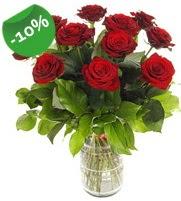 11 adet vazo içerisinde kırmızı gül  Mersin çiçek gönderme