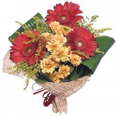 karışık mevsim buketi  Mersin yurtiçi ve yurtdışı çiçek siparişi