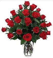 Mersin online çiçekçi , çiçek siparişi  24 adet kırmızı gülden vazo tanzimi
