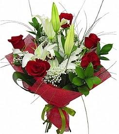 1 dal kazablanka 5 kırmızı gül buketi  Mersin internetten çiçek siparişi