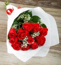 9 kırmızı gülden buket çiçeği  Mersin hediye sevgilime hediye çiçek