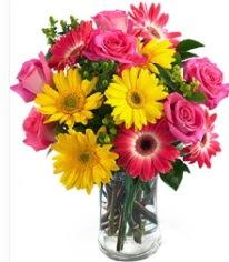 Vazoda Karışık mevsim çiçeği  Mersin yurtiçi ve yurtdışı çiçek siparişi