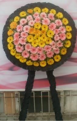 Görsel cenaze çiçeği  Mersin İnternetten çiçek siparişi