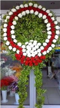 Cenaze çelenk çiçeği modeli  Mersin hediye çiçek yolla