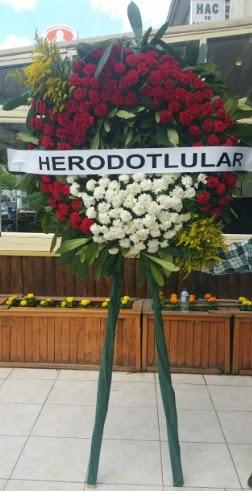 Cenaze çelengi cenazeye çiçek modeli  Mersin çiçek servisi , çiçekçi adresleri