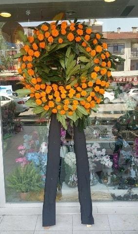 Cenaze çiçeği cenaze çelengi çiçek modeli  Mersin hediye sevgilime hediye çiçek