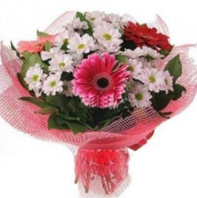 Gerbera ve kır çiçekleri buketi  Mersin çiçek gönderme sitemiz güvenlidir