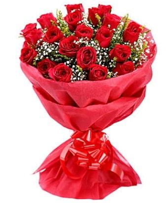 21 adet kırmızı gülden modern buket  Mersin hediye sevgilime hediye çiçek
