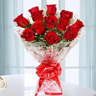 11 adet kırmızı gülden görsel şık buket  Mersin kaliteli taze ve ucuz çiçekler