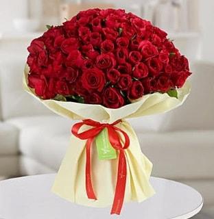 101 adet kırmızı gül buketi koca demet  Mersin çiçek gönderme sitemiz güvenlidir