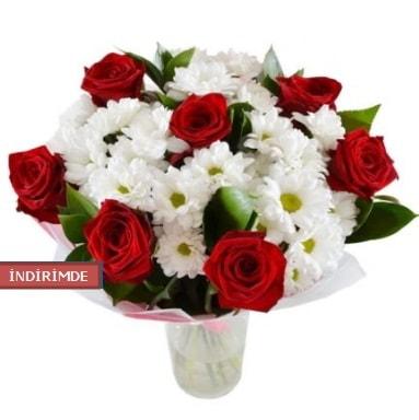 7 kırmızı gül ve 1 demet krizantem  Mersin 14 şubat sevgililer günü çiçek